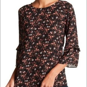DR2 Floral Ruffle Sleeve Blouse